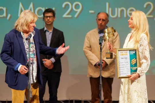 """Daniele Luchetti's """"The Ties"""" awarded at Golden Linden IFF"""
